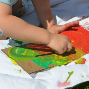 painting-on-the-lawn